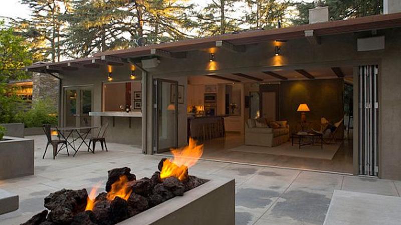 outdoor-indoor-space-web