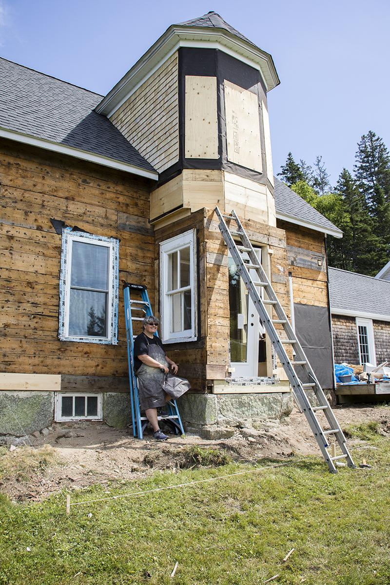 Carol Burnett works on her home. Photo: Bruce Murray, VisionFire Studios